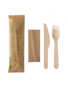 Sets couverts en bois emballage papier fourchettes, couteaux, serviettes
